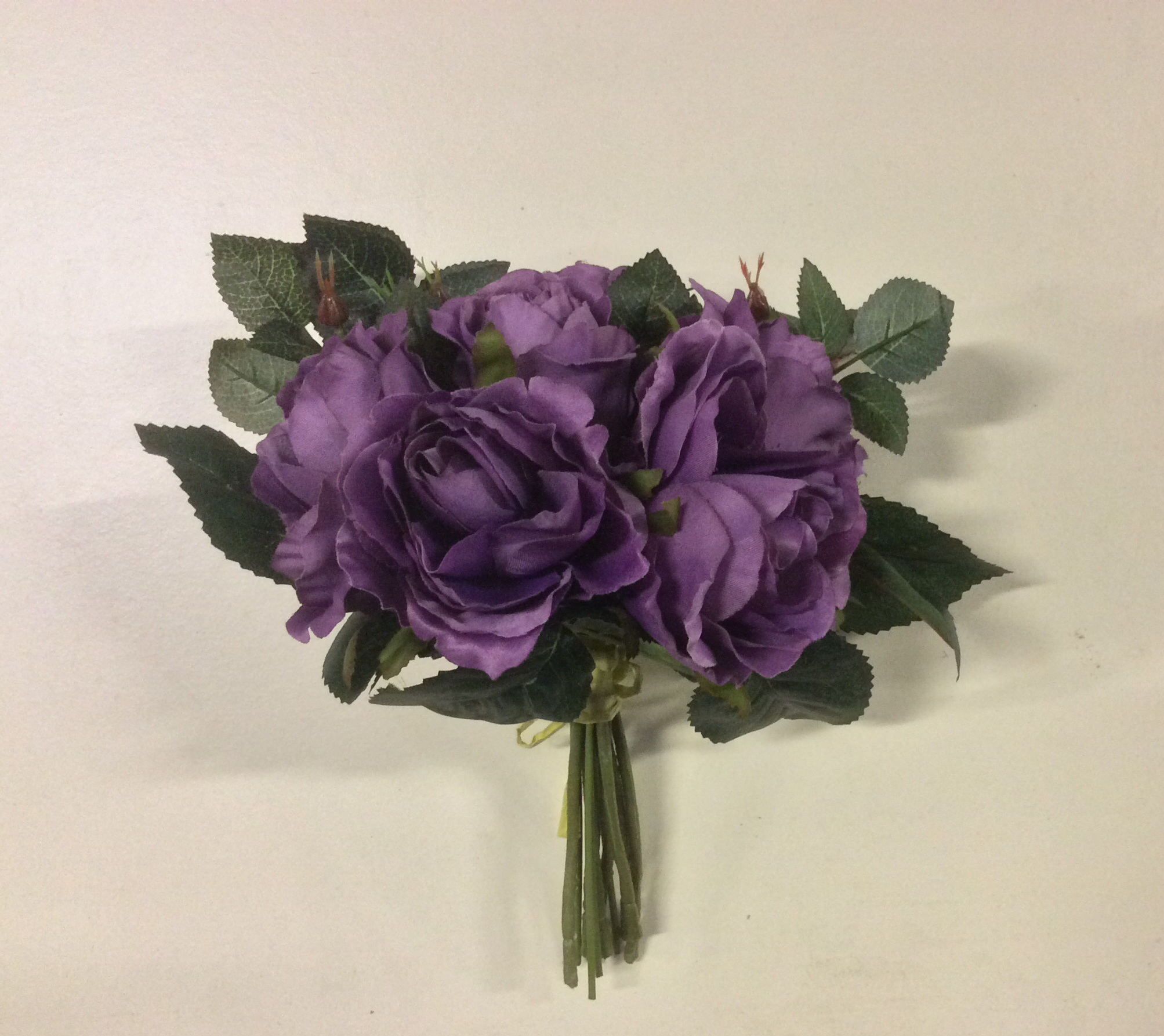 New Tied Bundle/Bouqet x7 Stems Queen Roses Silk Flowers Purple 9